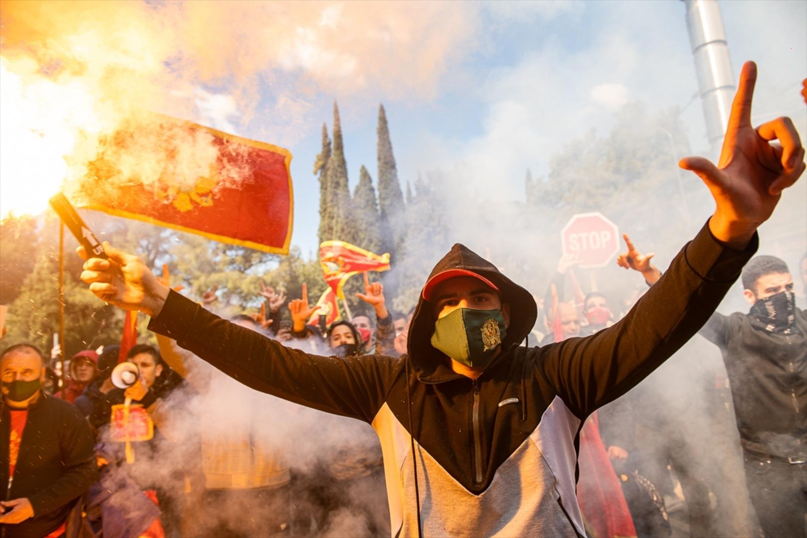 """Crna Gora u boj kreće, bez pobjede doći neće"""""""